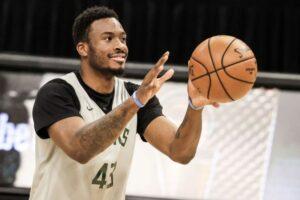 NBA: Suns' Paul says 'build a wall' to stop Antetokounmpo, Basketball News & Top Stories