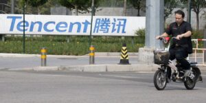 Beijing Blocks Merger, Tightens Data Rules as Post-Didi Crackdown Speeds Up