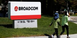Broadcom No Longer in Talks to Buy SAS Institute, Sources Say