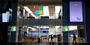 Microsoft Aims to Put Windows in Hands of Apple, Android Users Through Hybrid Work