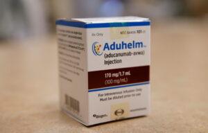 FDA head calls for probe into Alzheimer's drug review