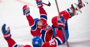 Montreal Canadiens make way to stormy Tampa Bay for Game 5