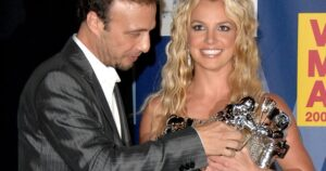 Britney Spears' longtime manager Larry Rudolph resigns, says singer is retiring from music – National