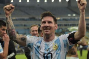Football: Messi to sign new five-year deal with Barcelona, report Spanish media, Football News & Top Stories